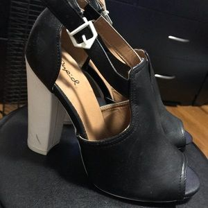 Qupid Shoes - Black and white heels